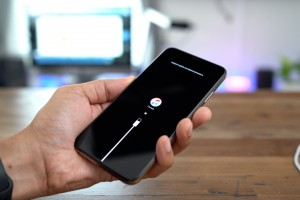 iPhone XS/ XR: how to disable, force reboot, enter into DFU and Recovery modes